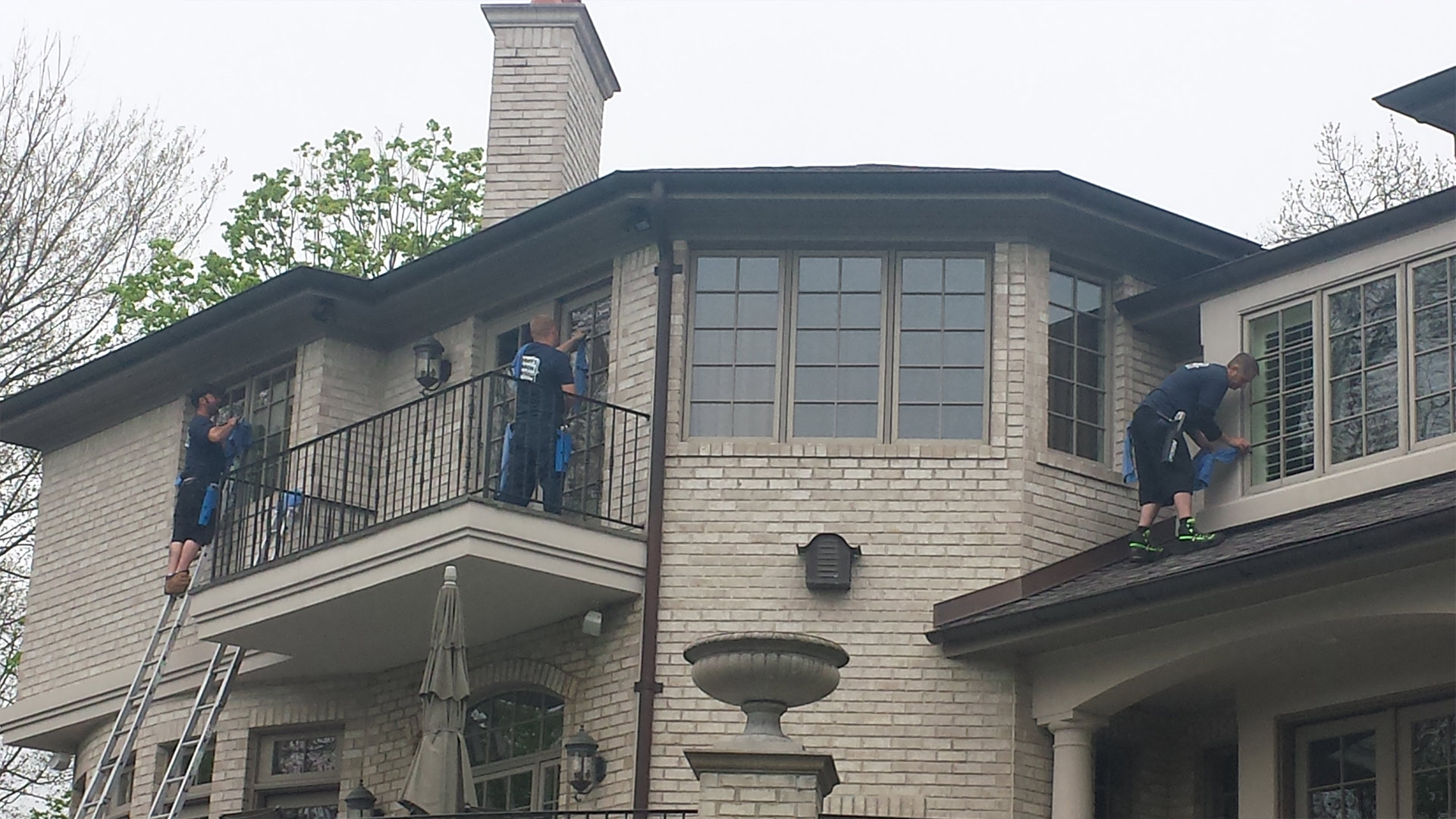 Bloomfield Hills Window Cleaning, Power Washing and Gutter Cleaning